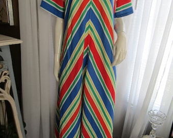 Vintage Ladies Colorful STRIPED Front Zipped Short Sleeve Floor Length Cotton LOUNGER----No Label