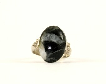 Vintage Black and White Oval Gemstone Ring 925 Sterling Silver RG 1009