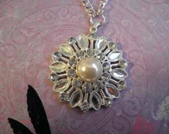 Sale Glass Crystal Flower Necklace