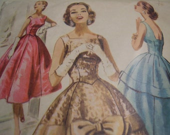 Vintage 1950's McCall's 3499 Dress Sewing Pattern, Size 14, Bust 32