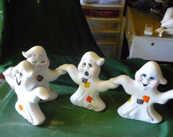 4 Hand n Hand Ghosts  Ready to paint