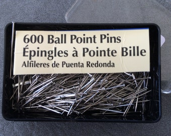 Straight Pins, Dress Making Pins, Ball Point Pins, Quantity 600, In a Plastic Case, Made by Prym-Dritz Corp, Never Used, Flat Metal Head