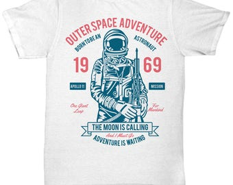 Outer Space Adventure 1969 The Moon Is Calling T-shirt
