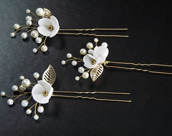 Set of 3 Bridal hair pin Gold hairpin Bridal hairpin Gold Leaves hair pin Crystals hairpins Gold Hairpiece Wedding hair pin