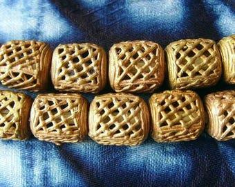 8 beads African brass BB04