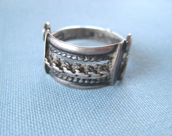 Twisted Dreams Vintage Sterling Silver Ring Band
