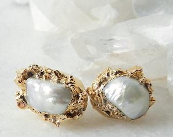 pearl earrings, pearl studs, pearl stud earrings, gold earrings, gold stud earrings,  pearl studs
