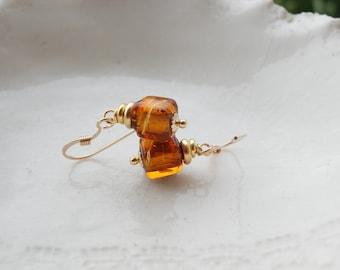 Boucles d'oreilles de Murano mini Cube d'ambre foncé