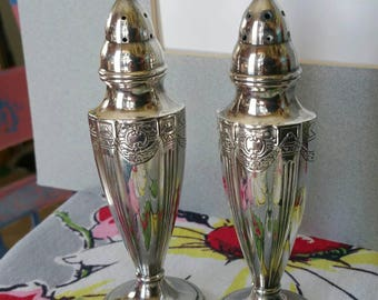 "Vintage Art Deco style ""Quaker Shaker"" Ornate Salt and Pepper table shakers"