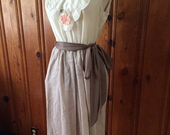 Vintage dress/Sleeveless dress/Flowers/Small/Medium