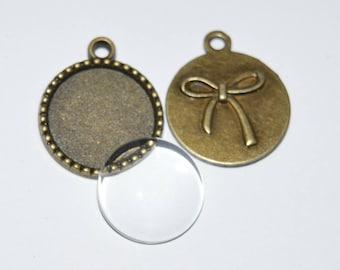 6 pieces: 3 Supports pendants Bronze + 3 transparent glass cabochons