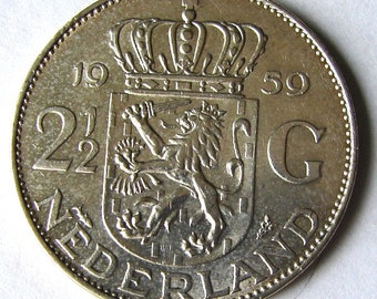 vintage 1959 NETHERLANDS QUEEN JULIANA Two and a Half Silver (.720) Guldens large coin