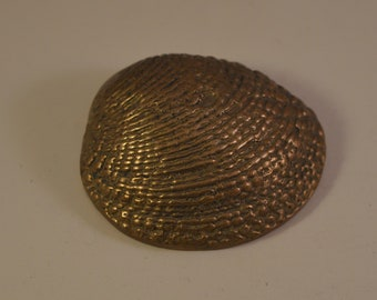 Small vintage brass shell paperweight..,miniature...decor
