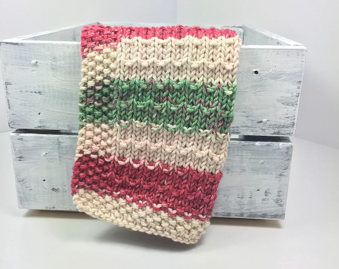 holiday decor ~  christmas decor ~ christmas kitchen ~  red and green dishcloth ~ christmas dishcloth ~ eco gift ~ knit dishcloth ~ sale ~