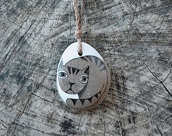 Beach Stone Cat Necklace