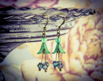 Green Crystal and Lucite Flower Bronze Hook Earrings [E28]