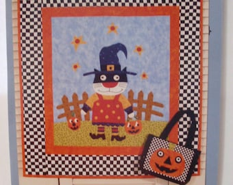 Toile and Trouble Quilt Pattern by Alley Cat Tales