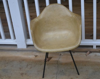 Charles Eames Shell Chair, original label