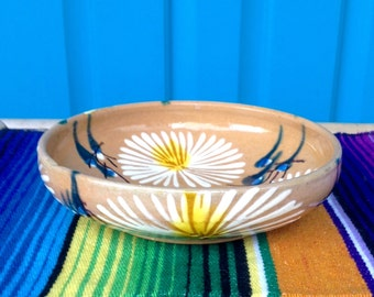 """SALE-FREE SHIPPING-Vintage Mexico Shallow 7"""" Handpainted Handmade Pottery Bowl w/Daisies Painted Inside and Outside-Boho-Gypsy-Ethnic Decor"""