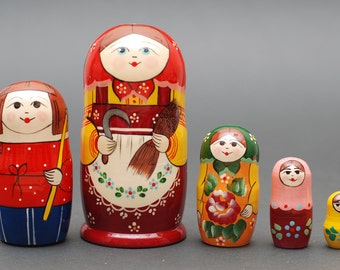 Russian Sergiev Posad traditional matryoshka babushka russian nesting doll 5 pc Free Shipping plus free gift!