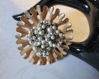 """Large Goldtone Flower Pin/Brooch w Faux-Pearls & Clear Rhinestones*Vintage*measures 2-1/4"""""""