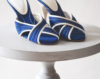 Vintage Shoes / Vintage Mules / High Heel Mules / Vintage Sandals / Crossover Mules / Blue and White / Fabric Shoes / High Heels / Pinup