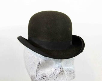 Antique Victorian Felt Bowler Hat in Black. Circa 1837 - 1901.