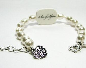 Custom Pearl Bracelet, Medium Photo Charm with Sterling 'Mom' Charm - P2RaB3