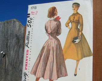 "Vintage 50's ""SIMPLICITY SEWING PATTERN 1713"" One Piece Press Size 13 bust 33"