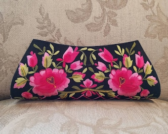 Embroidered black clutch, floral clutch, embroidered evening bag, pink roses clutch, wedding clutch, bridesmaid clutch, gifts for her
