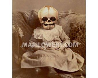 Creepy Wall Art, Halloween Decor, Skull Art 5x7 Inch Print,  Horror Art, Macabre,  Dark Art, Creepy Decor, frighten