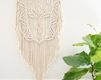 Macrame Wall Hanging, Wall decor, Modern Macrame, Nursery decor, Minimalist art, tapestry, Unique gift Natural white, Boho gift
