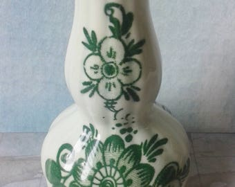 Delft Green, small vase, B & N,