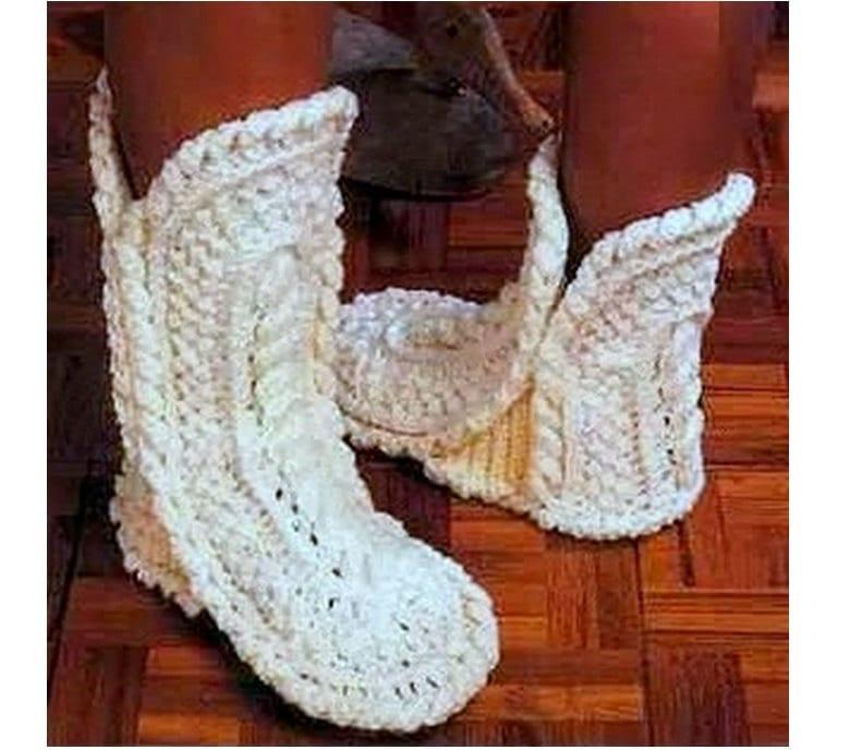 CROCHET SLIPPERS PATTERN Vintage 70s Boots Slipper Pattern
