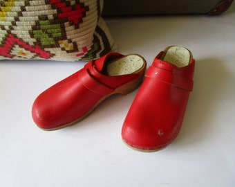 Red Kids Clogs Wooden Clogs Swedish Shoes Leather Summer Garden Shoes Old Girl Clogs Natural Eco Friendly 1970s Vintage Scandinavian