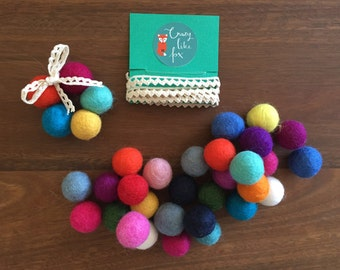 DIY Felt Ball Decoration kit - diy craft kit - kids craft kit - make your own decorations - make your own craft - Christmas decorations