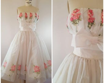 Vintage 1950s Dress / 50s Strapless Gown / 50s Prom Dress / Strapless Party Dress / Pink Roses / XS