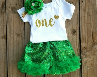 One Year Old Girls Birthday Outfit, Smash Cake Outfit, Green and Gold Glittered Top, Pageant Sequin Shorts, First Birthday Outfit, 1 Yr Old