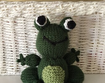 Frog knitted stuff toy animal