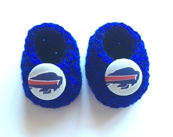 Buffalo Bills baby booties, baby booties, infant shoes, crochet baby booties, booties for baby, crochet baby shoes