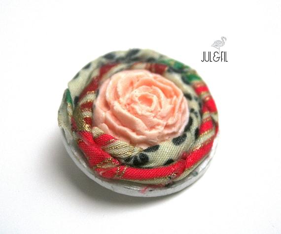 Brooch rose wood powder Japanese fabric