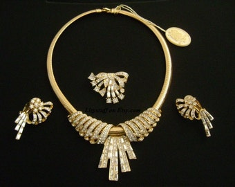 Glamming NINA RICCI Paris Art Deco Gold Plating W/Baguette Round Cut Diamante Crystal Necklace Brooch Earrings Special Occasion Jewelry Sets