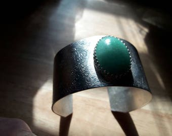 Silver Cuff Bracelet with Green Tourine