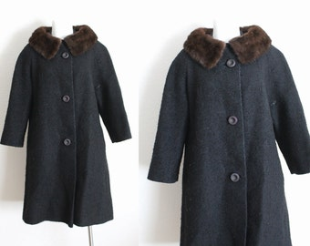 Vintage 1950s Wool Bouclé Coat With Mink Collar / Vintage Black Wool Coat with Mink Collar / Vintage Large Wool Coat / Large Black Wool Coat