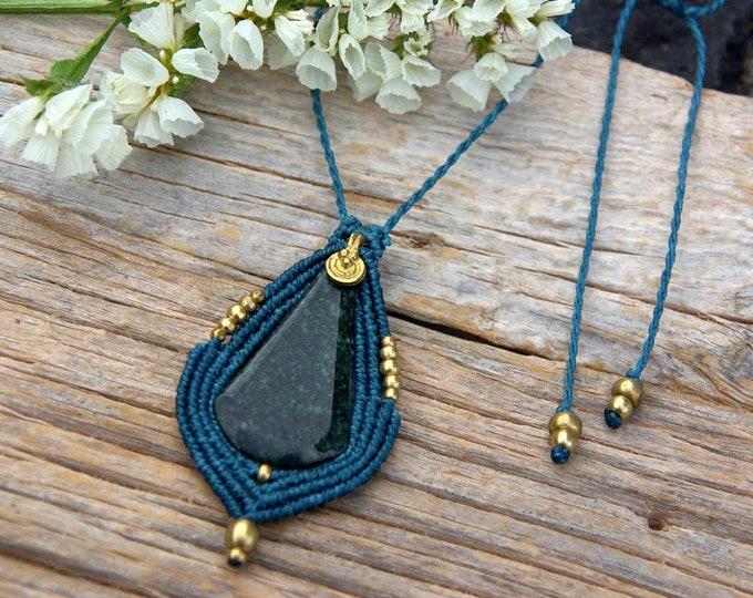 JADE pendant in MACRAMÉ, in turquoise waxed thread, tribal talisman, brass pendant, nickel free, jade amulet, mystic jewelry
