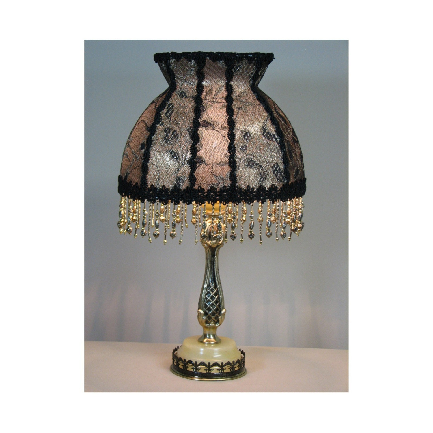 Vintage Lamp Shades: Vintage Table Lamp With Victorian Lamp Shade The Letter From
