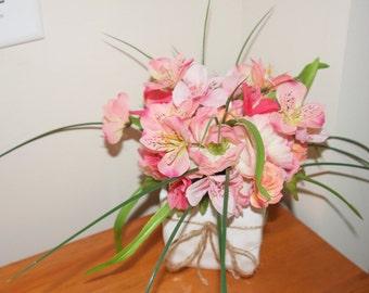Spring Table Scape, Spring Floral Decoration, Spring Arrangement