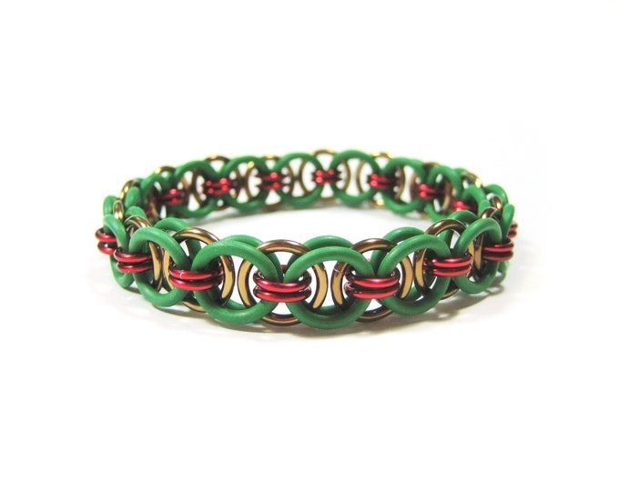 TMNT Themed Stretchy Chainmaille Bracelet (Raphael) - Helm (Parallel) Chain Weave