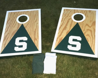 Michigan State, MSU, Spartan, Tailgating Cornhole game, bag toss game, lawn game, outdoor game, outdoor activity, portable.