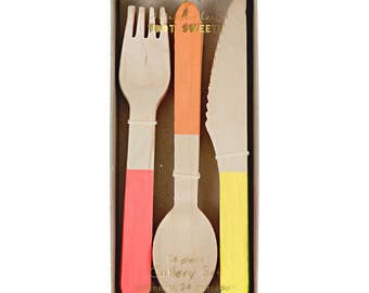 Wooden Cutlery Set : orange corail and yellow